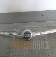 Лайсна Заден Капак | Opel Insignia | 2010 |